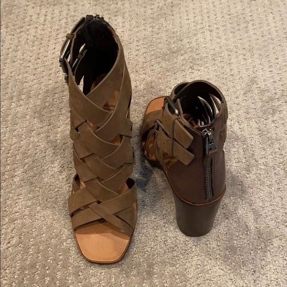 Old Navy Three-Strap Block-Heel Sandals for Women   Edgy